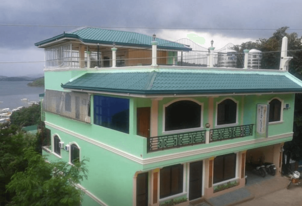 Divine Castle Travellers Inn, Coron Palawan