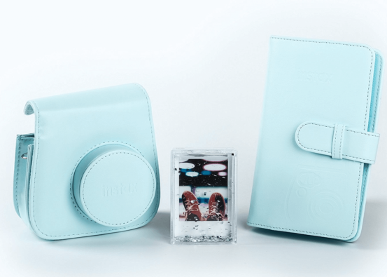 Instax Mini polaroid Camera Kit- 10 Gift ideas for someone going travelling!