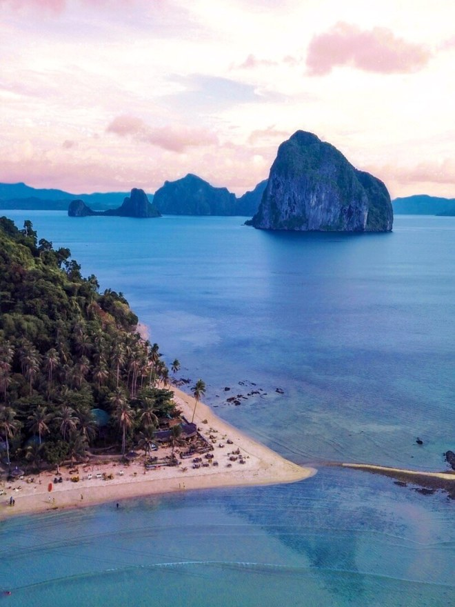Las Cabanas Beach, El Nido, Palawan, Philippines